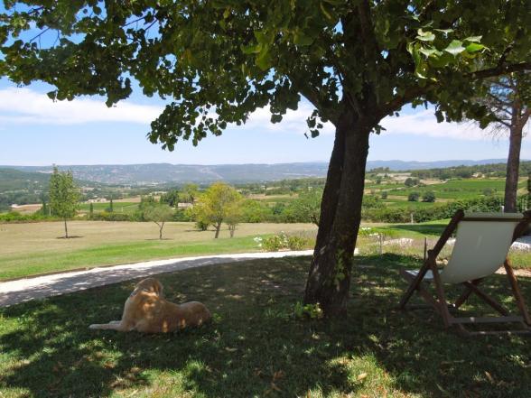 unieke vergezichten vanuit de villa over de Luberon