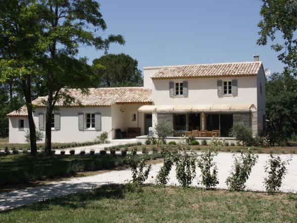 rent a luxury holiday house in the Luberon region