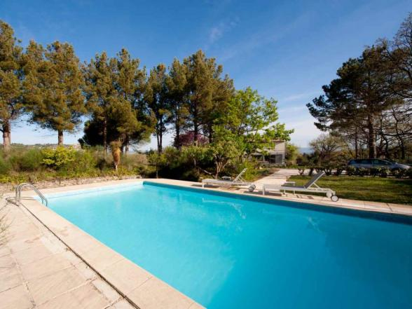 villa with swimming pool for rent in Bonnieux