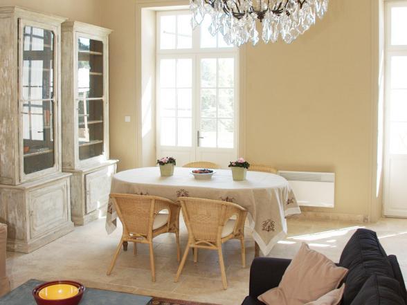 stijlvol kasteelappartement te huur in de regio Orange (Provence)