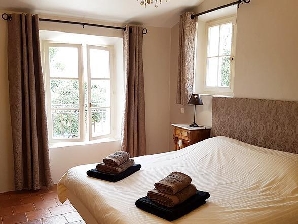 vakantiehuis huren van Belgen in de Luberon, villa met 4 slaapkamers en verwarmd zwembad