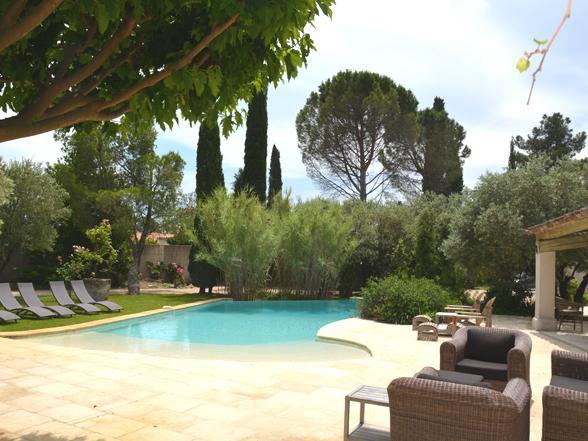prachtig groot vakantiehuis huren met zwembad in de Provence aan de Mont Ventoux