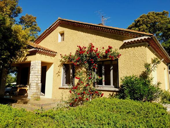 huis huren tussen de wijngaarden van Vancqueyras mat zwembad, airco en 2 slaapkamers en badkamers
