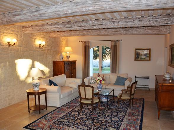luxe villa huren in Zuid-Frankrijk met verwarmd zwembad, buitenkeuken en airco, regio Ventoux