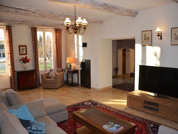 luxe vakantiehuis te huur in Zuid-Frankrijk met airco, verwarmd zwembad , buitenkeuken en prachtig zicht op de Mont Ventoux