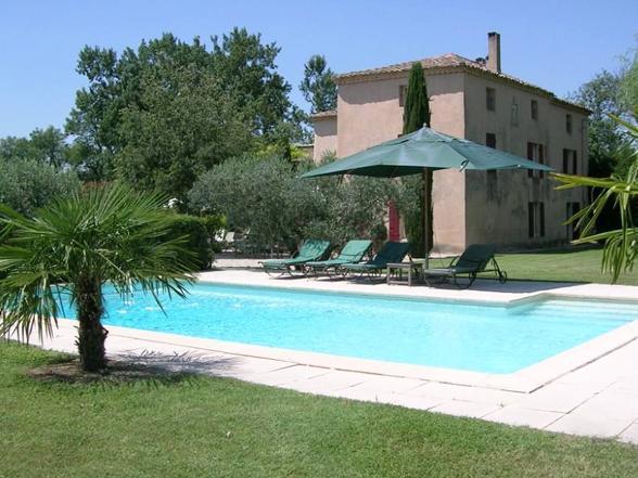 vakantiehuis huren in Zuid-Frankrijk voor 12 personen met grote tuin en wijngaard
