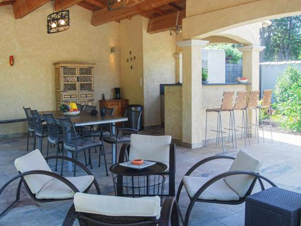 vakantiehuis huren voor 6 personen met airco, buitenkeuken, verwarmd zwembad en zicht op de Mont Ventoux