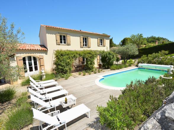 luxe vakantiehuis in de Provence huren met verwarmd zwembad voor vakantie aan de Mont Ventoux