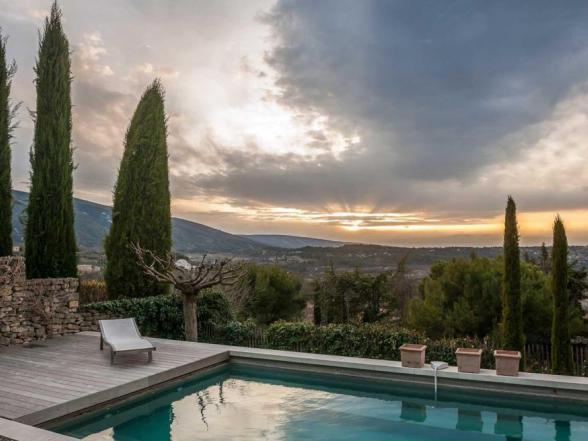 holiday home with splendid view of the Luberon