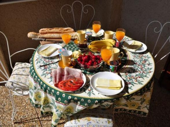 luxe ontbijt aan de voet van de Ventoux