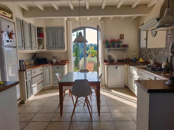 moderne villa te huur voor 12 personen met groot privé zwembad, airco en prachtig uitzicht