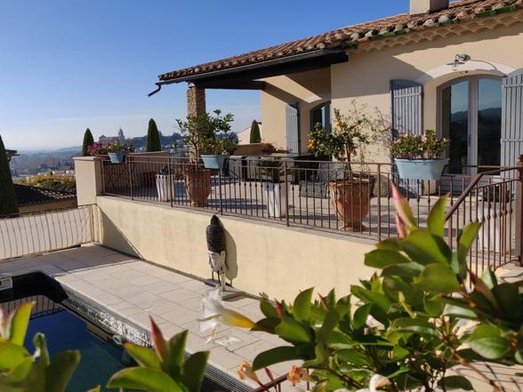 vakantiehuis huren met airco en privé zwembad voor 12 aan de Mont Ventoux, Provence, Zuid-Frankrijk