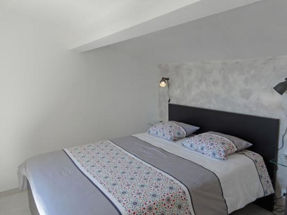 vakantie in de Provence, moderne villa huren met airco en zwembad aan de voet van de Mont Ventoux voor fietsvakantie