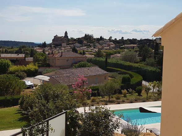 villa huren voor vakantie, vakantiehuis voor 6 personen met airco, zwembad en prachtig zicht, rustig gelegen op wandelafstand van het dorp