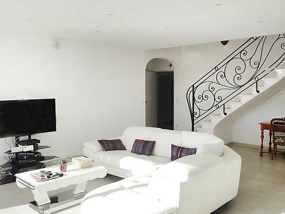 modern villa met airco en verwarmd zwembad te huur in Bédoin, Zuid-Frankrijk