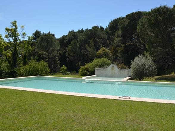 goedkoop huis / kasteel huren in de Provence voor 6 personen met zwembad en airco