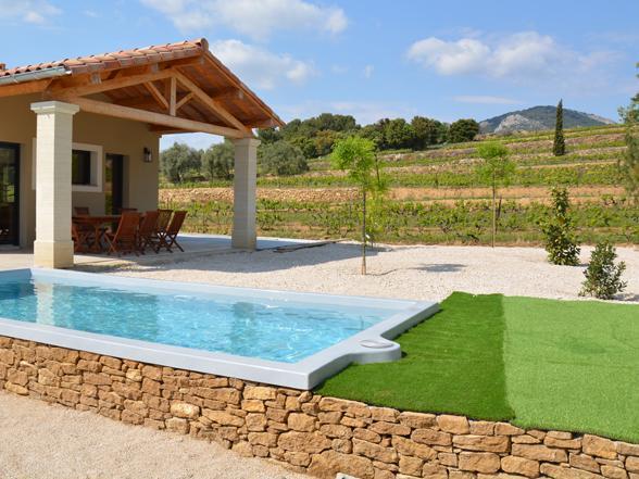 vakantiehuis huren voor 10 personen met verwarmd zwembad en zicht op de wijngaarden