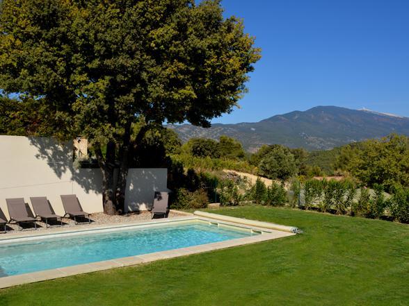 vakantiewoning huren met privé zwembad en zicht op de Mont Ventoux