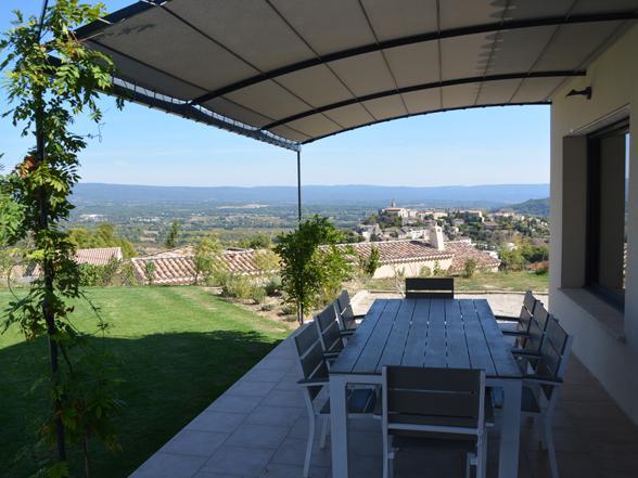 vakantiehuis huren met prachtig zicht op de Mont Ventoux en het dorpje Crillon