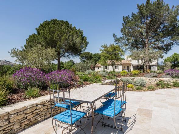 luxe villa huren met privé zwembad in de Provence voor vakantie aan de Ventoux in de Luberon