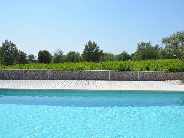 vakantie in de Provence, Zuid-Frankrijk, huis huren voor 12 personen met zwembad en mooi uitzicht