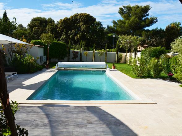 mooi huisje huren voor 2 personen met zwembad, jacuzzi en airco in de Provence