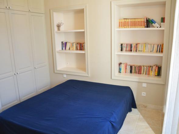 één van de drie slaapkamers