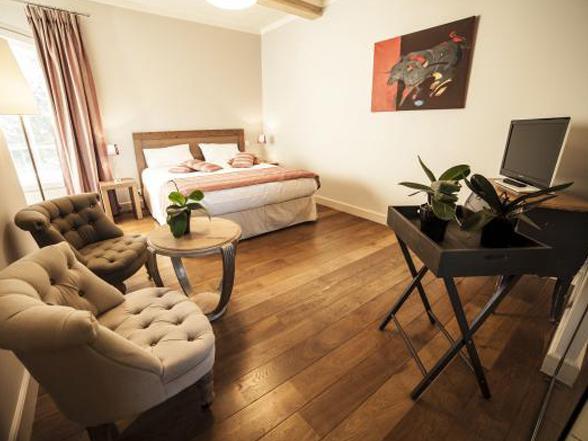 luxe villa huren in de Provence met groot privé zwembad, petanque terrein en ping-pong tafel