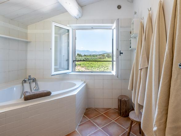 luxe vakantie in Zuid-Frankrijk, villa huren in de Provence met zwembad en prachtig zicht