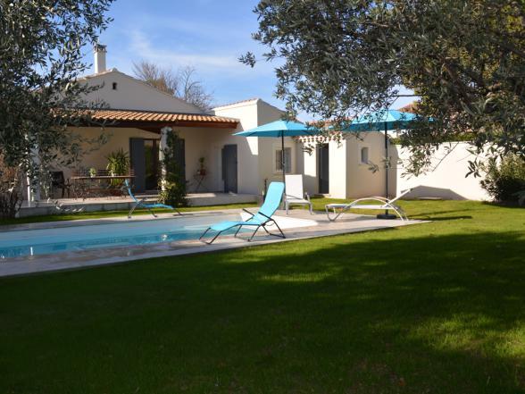 villa met privé zwembad en mooi aangelegde tuin