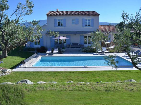 vakantie Provence villa huren met verwarmd zwembad en zicht op de Ventoux