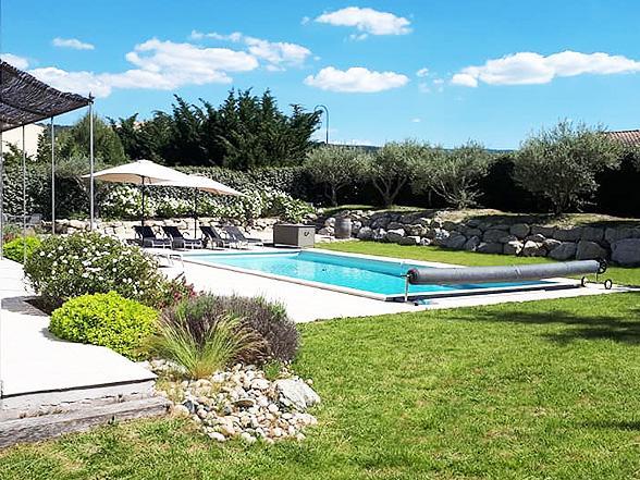 nieuwbouw villa kopen met airco en verwarmd zwembad, rustig gelegen met zicht op de Mont Ventoux