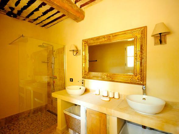 luxe ville huren voor grote familie in de Provence met verwarmd zwembad
