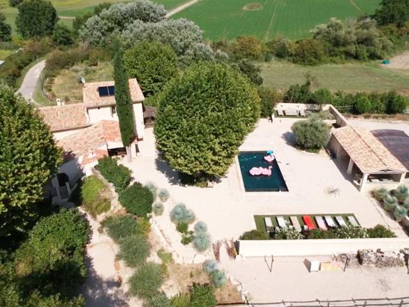 rustig gelegen luxe villa huren, vakantie in de Provence, vakantiewoning voor 15 personen met verwarmd zwembad