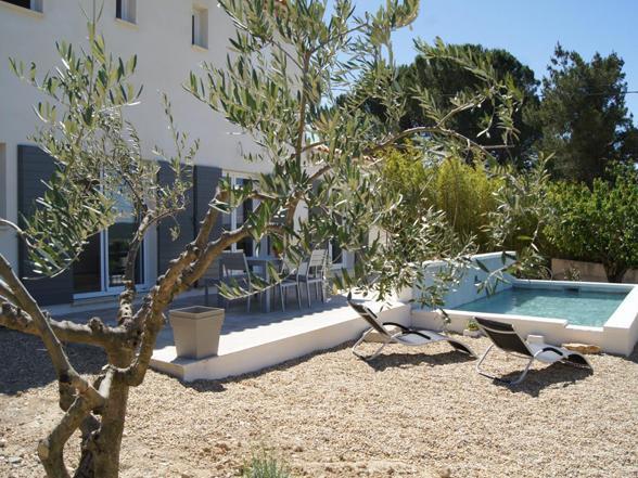 vakantiehuis huren voor 6 personen met zwembad en zicht op de Mont Ventoux