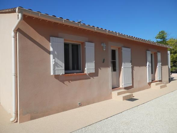 vakantie Provence villa huren in dorp met airco en verwarmd zwembad en zicht op de Mont Ventoux voor 6 personen