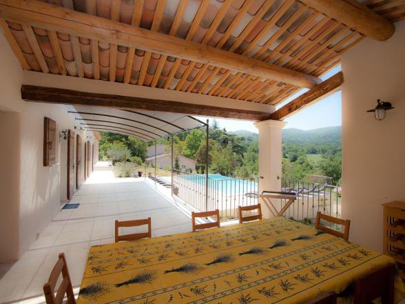 Luxe vakantiehuis te huur met grote buitenkeuken de Provence