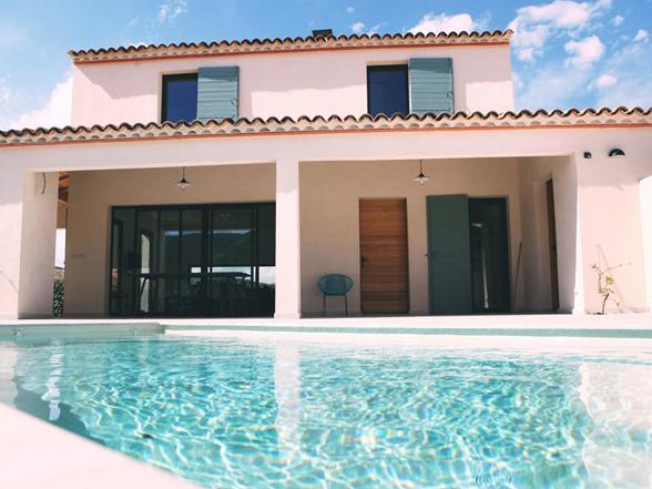 luxe villa huren in de Provence met airco, groot verwarmd privé zwembad, petanque terrein