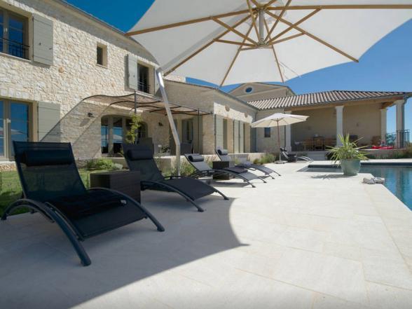 luxueuze nieuwbouwvilla met zwembad