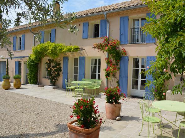 groot vakantiehuis voor 14 personen huren met zwembad in de Provence