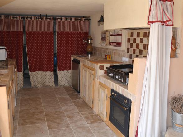 vakantiehuis voor 14 à 16 personen huren aan de voet van de Ventoux
