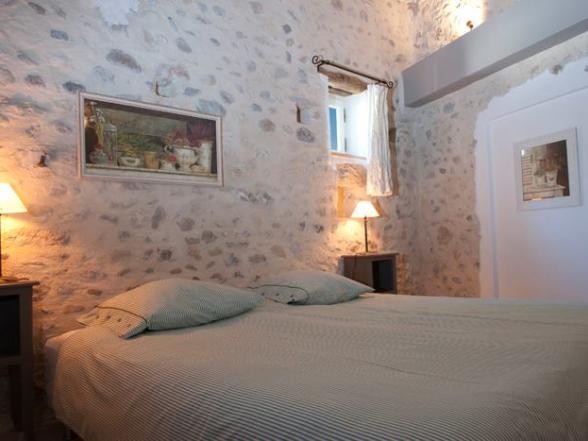 romantische slaapkamer vakantiehuis Crestet