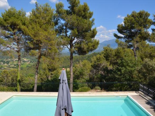 vakantiewoning te huur in Vaison la Romaine met panoramisch uitzicht en veel privacy