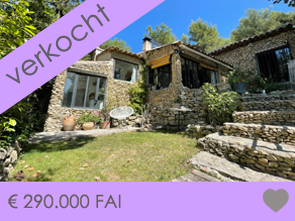 mooie provençaalse villa kopen met zwembad en grote tuin met panoramisch uitzicht over de streek