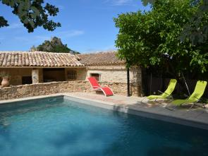 gîte voor 2 personen met groot zwembad en poolhouse te huur Provence