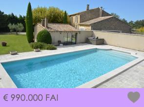 grote Provençaalse mas kopen met zwembad, buitenkeuken en mooi zicht in de Luberon, Zuid-Frankrijk