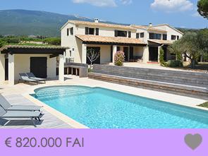aankoop grote villa met zwembad tussen de wijngaarden met zicht op de Mont Ventoux