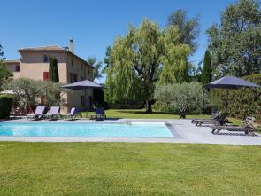 vakantie provence villa huren voor 12 personen met 6 slaapkamers en groot zwembad