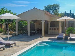 huis huren in Zuid-Frankrijk met airco, verwarmd zwembad en prachtige buitenkeuken