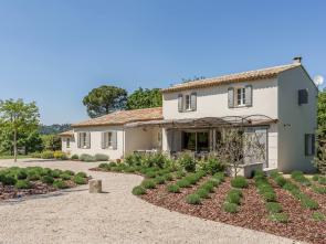 luxe villa te huur in de Luberon, Provence met privé zwembad en grote Provençaalse tuin